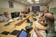 El ministro Grande Marlaska, reunido este jueves con las fuerzas de seguridad del Campo de Gibraltar.