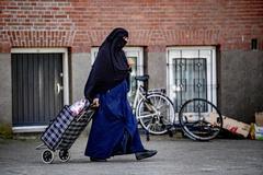 Holanda se rebela contra la prohibición del burka
