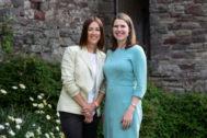 Jane Dodds, ganadora en la circunscripción de Brecon, con la líder liberal demócrata Jo Swinson.