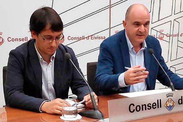 Negueruela y Marí, ayer en el Consell en su primera reunión oficial.