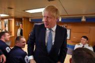 La caída de la libra hace temblar el Brexit duro de Johnson