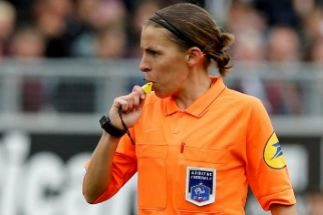 La primera mujer que dirigirá un gran partido UEFA
