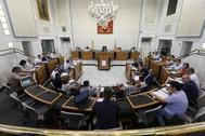 Pleno de organización de la Diputación, ayer viernes, en el Palacio Provincial de Alicante.