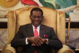 EPA1209. MALABO (GUINEA ECUATORIAL), 10/11/2017.- El presidente de Guinea Ecuatorial, Teodor <HIT>Obiang</HIT> Nguema, se reúne con una delegación de países luso parlantes, responsables de los observadores para las elecciones legislativas y municipales que se celebran el próximo domingo, en el Palacio Presidencial en Malabo (Guinea Ecuatorial) hoy, 10 de noviembre de 2017. Guinea Ecuatorial cuenta con el presidente con más años en el poder en África desde que <HIT>Obiang</HIT> accedió al mismo tras un golpe de estado en 1979. EFE/ Mario Cruz