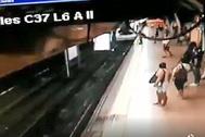 Prisión sin fianza para el hombre que tiró de una patada a un joven a las vías del Metro de Madrid justo cuando pasaba el tren