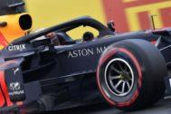 Verstappen lanza otro aviso a Mercedes con la primera 'pole' de su vida