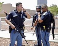La policía confirmó en un primer momento que había varios tiradores activos cerca del centro comercial Walmart en El Paso. El martes pasado, dos personas murieron en otra tienda de la misma cadena en Missisipi.