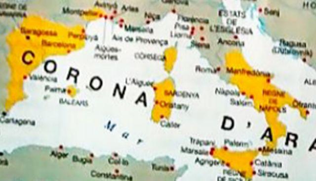 Mmapa de la expansión de la Corona de Aragón y colorea toda Grecia, incluida la parte bizantina, cuando sólo fueron posesiones Atenas y Neopatria.