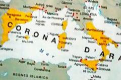 Mapa de la expansión de la Corona de Aragón y colorea toda Grecia, incluida la parte bizantina, cuando sólo fueron posesiones Atenas y Neopatria.