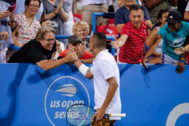 Washington (United States).- Nick <HIT>Kyrgios</HIT> (C) of Australia celebrates with fans after he defeated Stefanos Tsitsipas of Greece during a semifinal match in the Citi Open tennis tournament at the Rock Creek Park Tennis Center in Washington, DC, USA, 03 August 2019. (Tenis, Abierto, Grecia, Estados Unidos) EPA/