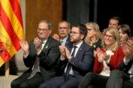Torra y Aragonès junto con otros cargos del entonces Govern el día de presentación del Consell per la República.