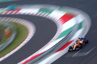 Sainz, con el MCL-34, durante la carrera en Hungaroring.