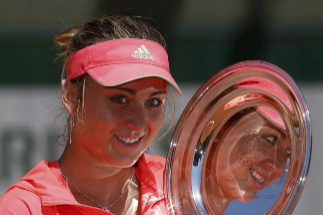 Badosa tras alzarse con Roland Garros en categoría junior en 2015