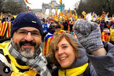 Carandell junto a Pere Torra, en una manifestación independentista en Bruselas en diciembre de 2017.