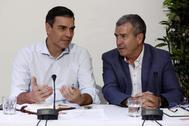 Pedro Sánchez, durante su reunión con asociaciones contra la despoblación