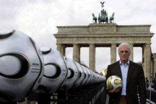 Beckenbauer en un acto promocional del Mundial 2006
