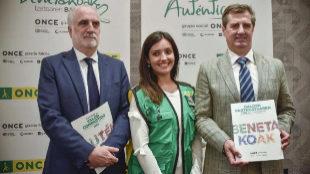 Juan Carlos Andueza, Maider Lobo y Rafael Ledesma en la presentación de los datos de la actividad económica y social del Grupo Social ONCE en Bilbao.