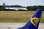 Aviones de Ryanair en el aeropuerto internacional de Fráncfort, en Alemania.