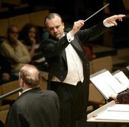 El director de orquesta José de Eusebio en el Auditorio Alfredo Krauss de Las Palmas