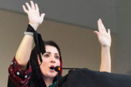 La líder opositora Maryam Nawaz participa en una protesta contra Imran Khan en Quetta, Pakistán, a finales de julio.