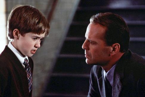 20 años de 'El sexto sentido', el éxito de un ejecutivo despedido, un actor endeudado y un director sin experiencia