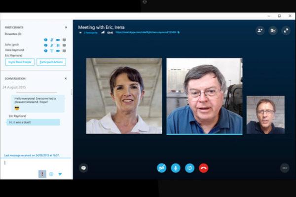 Admite que sus empleados escuchan las llamadas de Skype