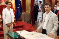 Eduardo Santos toma posesión como consejero de Justicia ante la mirada de María Chivite