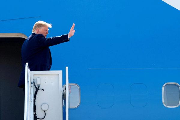 Donald Trump prepara una ley para acabar con el sesgo 'progresista' de Twitter, Facebook y Google