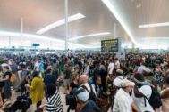 Colas en el aeropuerto de El Prat por la huelga de los empleados de seguridad.