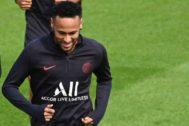 Neymar, durante el entrenamiento del sábado del PSG.