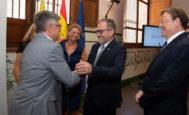 El presidente de la Diputación, Josep Martí, junto a Ximo Puig y Amparo Marco.