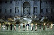 Desfile de Fendi en la Fontana di Trevi