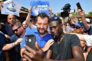 "El primer ministro italiano Matteo Salvini, en su ""Italian Summer Tour"", en Policoro."