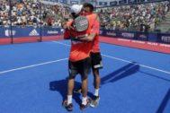 Galán y Lima, emocionados tras su victoria en Mijas.
