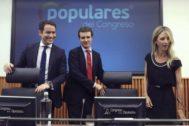 Pablo Casado, Teodoro García Egea y Cayetana Álvarez de Toledo, durante una reunión del grupo parlamentario del PP en el Congreso.