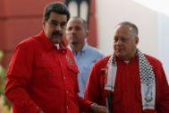 El líder chavista Nicolás Maduro, junto a Diosdado Cabello, en Caracas.