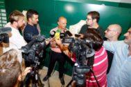 Joaquín Buitrago atiende a los medios de comunicación tras su nombramiento.