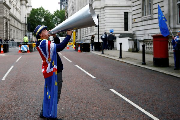 Anti-<HIT>Brexit</HIT> protester Steve Bray demonstrates at Downing...