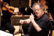 James Levine durante un concierto de la Orquesta Sinfónica de Boston.