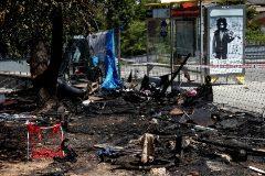 GRAF6051. <HIT>BARCELONA</HIT>.- Tres personas han resultado heridas, dos de ellas de gravedad, al incendiarse el campamento de barracas en el que viven, situado en un descampado del distrito de Sant Martí de <HIT>Barcelona</HIT>. Los Mossos d'Esquadra investigan si el fuego ha sido intencionado tras una pelea.