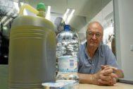 El director del Banco de Alimentos de Alicante, Juan Vicente Peral, durante una entrevista en la redacción de EL MUNDO en Alicante.