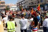 Concentración convocada por Vox de este miércoles en Roquetas de Mar (Almería) en repulsa por la agresión a un agricultor.