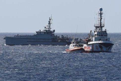 """En aguas italianas pese al veto de Salvini: """"¿Cómo puede ser que un barco español entre en aguas de nuestro país?"""""""