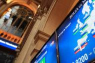 China reactiva la guerra comercial, noquea al Ibex y desploma el interés del bono español al mínimo histórico