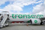 Un avión de la compañía Transavia en el aeropuerto de Orly, en París.