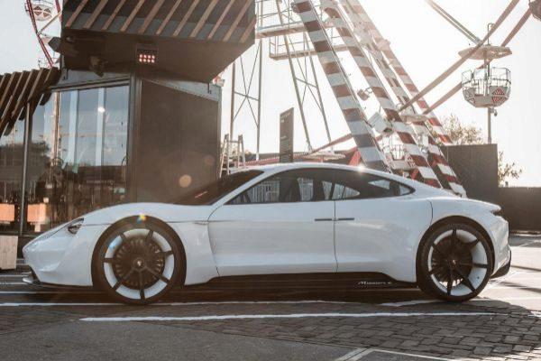 Porsche emite 1.000 millones en bonos para la financiación del Taycan