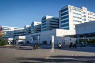 Entrada principal del Hospital La Fe de Valencia.