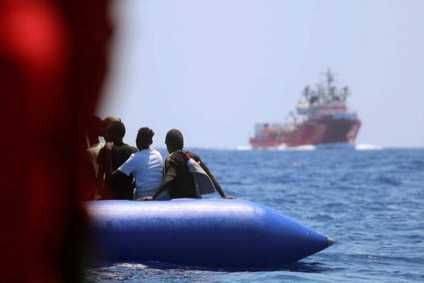 El Ocean Viking ha rescatado a 356 inmigrantes en el Mediterráneo.