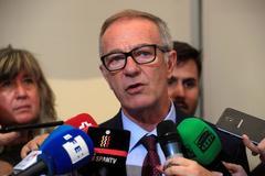 GRAF4288. MADRID.- El ministro de Cultura y Deportes en funciones, José <HIT>Guirao</HIT>, realiza declaraciones tras la reunión con representantes de diversos sectores culturales, este viernes en Madrid.-