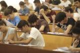 Alumnado se examina de la Selectividad en la Universidad de Málaga este pasado junio.